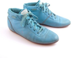 Image Credit: www.polyvore.com/teal_blue_sneakers_vintage_1980s/thing?id=60963037
